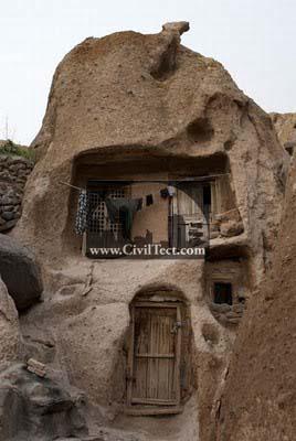 خانه های ۷۰۰ ساله ساخته شده در کوه