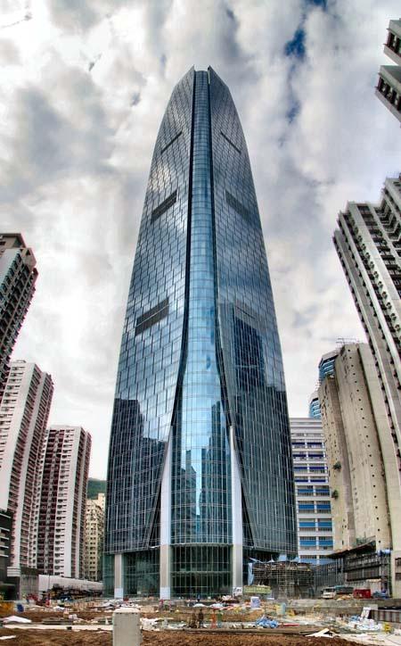 برج One Island East – هنگ کنگ