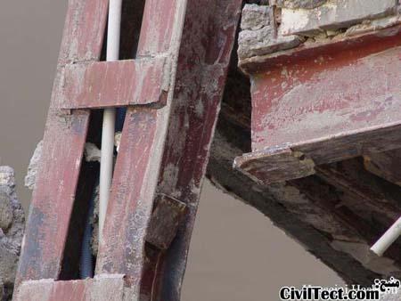 همان اتصال تصویر قبلی از بیرون ساختمان