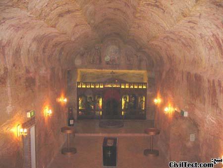 کلیسای زیرزمینی شهر معدنی کوبرپدی استرالیا