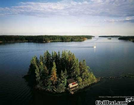 خانه ای در وسط دریاچه
