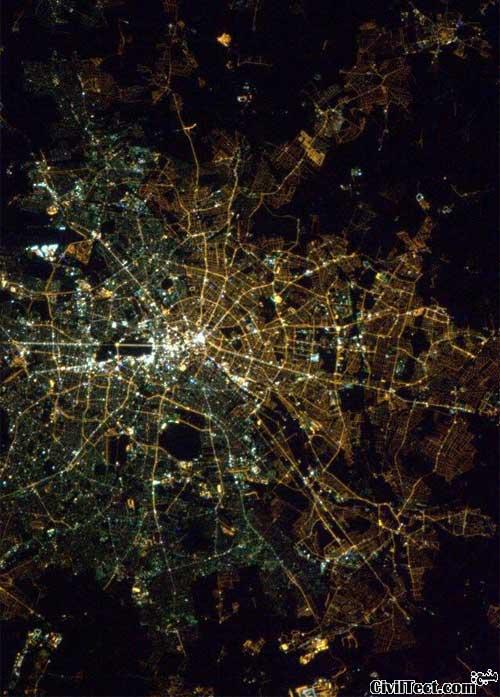 برلین شرقی/غربی هنوز از هوا قابل تشخیص است!