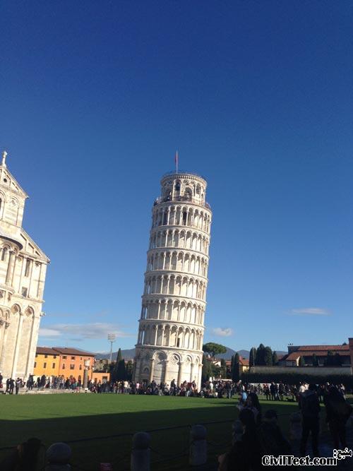 برج کج پیزا در ایتالیا - The Leaning Tower of Pisa