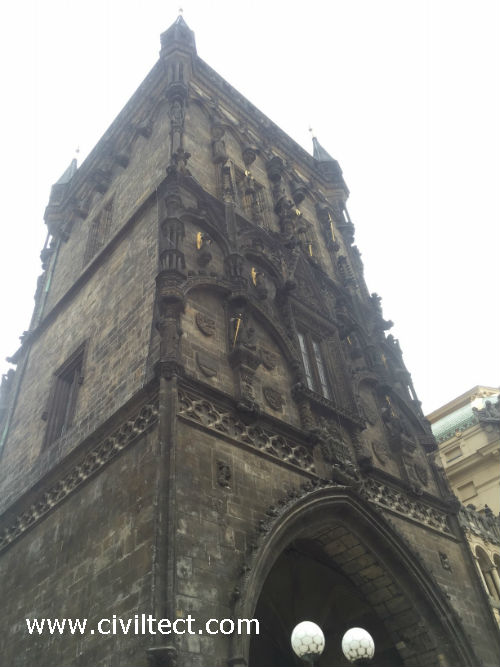 برج معروف پراگ