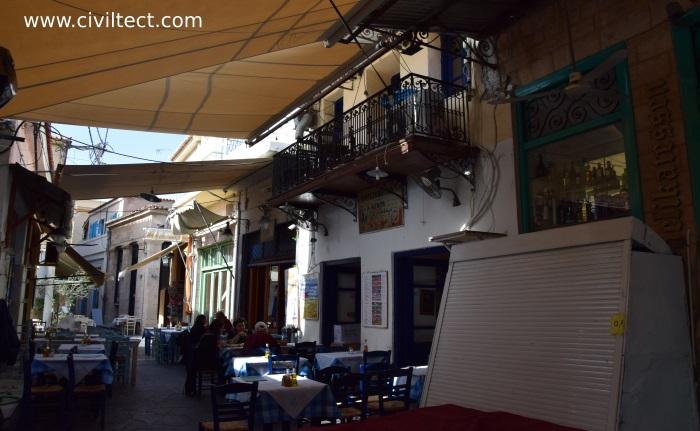 یکی از رستورانهای محلی جزیره آیگینا