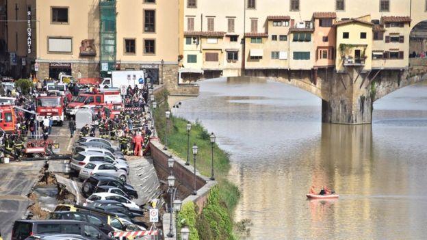 فروریزش زمین در نزدیکی پل Ponte Vecchio فلورانس