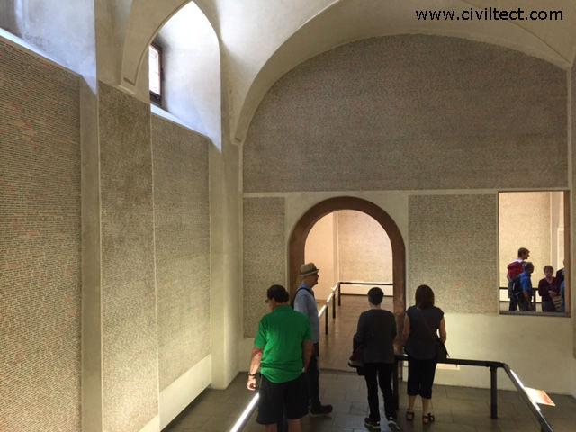 دیوار کشته شدگان یهودیان در جنگ جهانی دوم