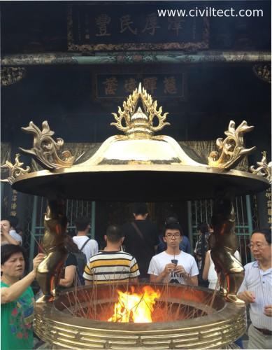 آتشدان معبد لانگشن تایپه
