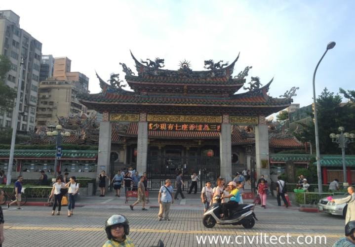 ورودی معبد لانگشن تایپه